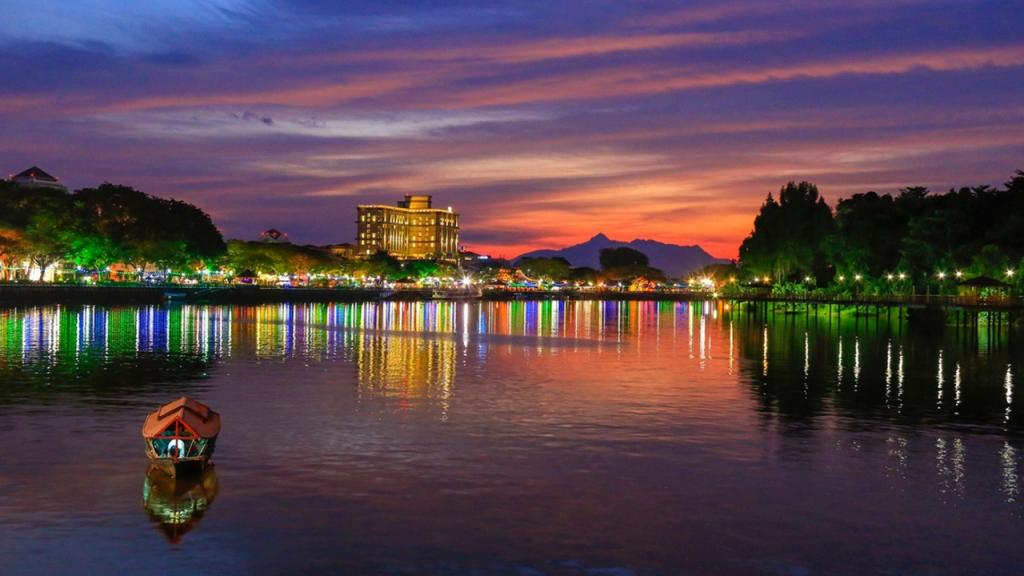 Old Kuching Kampung Heritage: The Perahu Tambang by Atta Idrawani Zaini