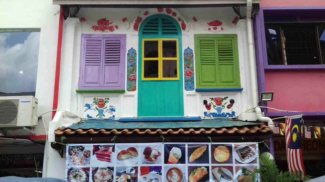 COLOURING HERITAGE BUILDINGS?