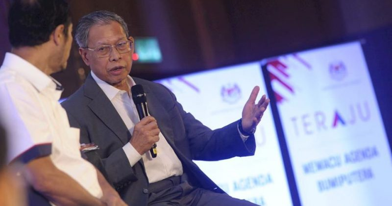Dialog Session With Yb Dato' Sri Mustapa Mohamed