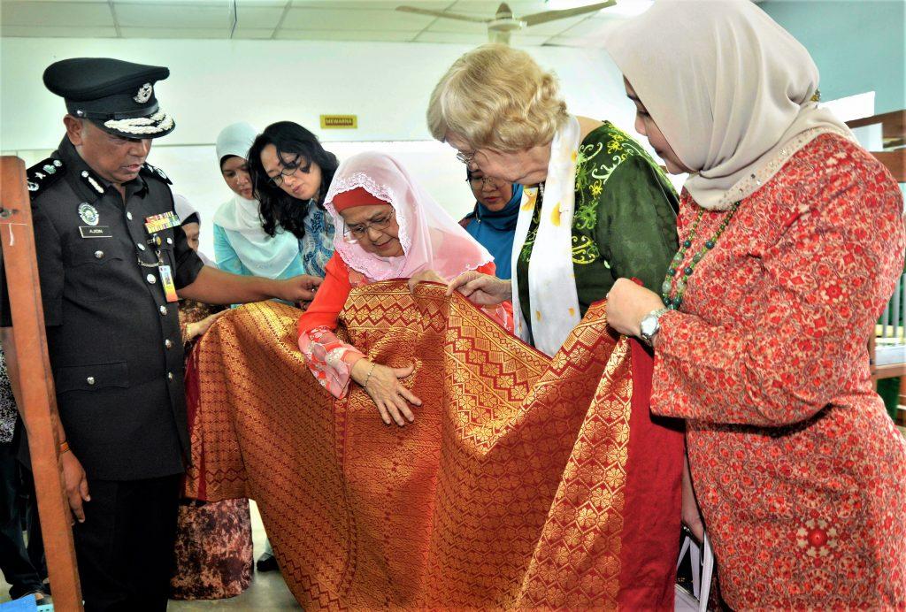 Plans afoot to make Puncak Borneo Prison a songket hub