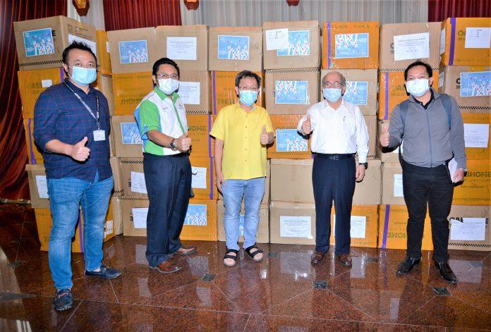 Serba Dinamik donates RM500k face masks, hand gloves