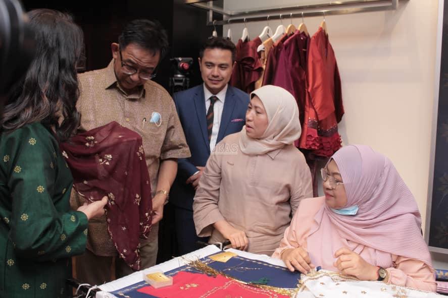Songket, keringkam Sarawak  produk pelancongan untuk pasaran antarabangsa