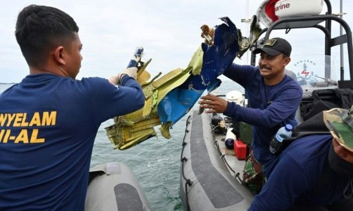 Crew on crashed Indonesian passenger jet did not declare emergency